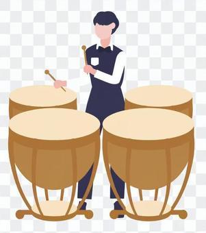 男人玩定音鼓