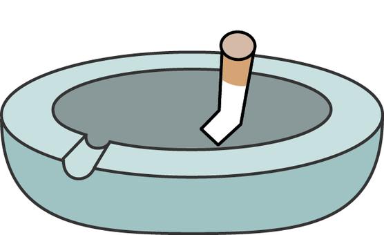 煙灰缸和煙草