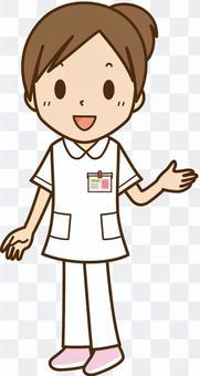 笑顔の白衣看護師・医療従事者:女性