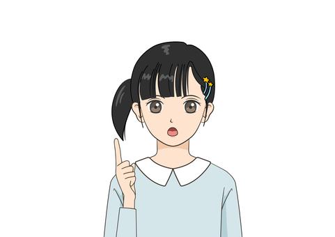 一個用食指向上做某事的女童