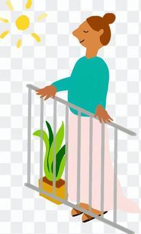 陽台上的女人