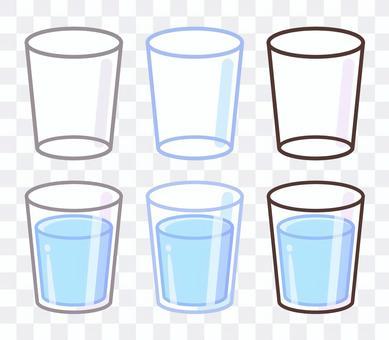 コップ入りの水の無料素材