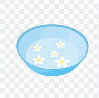 花漂浮在水中