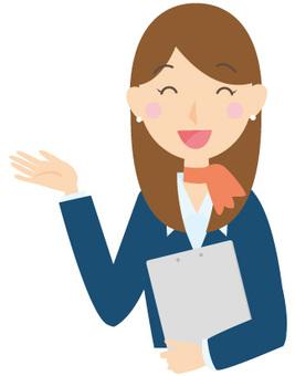 职员微笑的女人的秘书