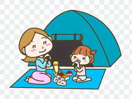 キャンプする親子