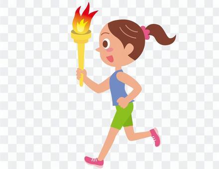 聖火を持って走る女の子