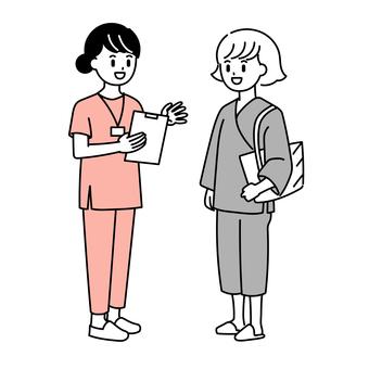 一位護士指導一位接收人類狗的婦女