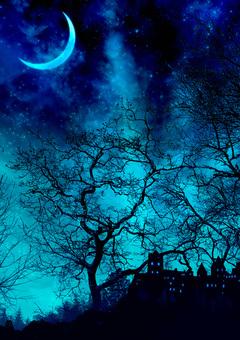 夜晚森林中的城堡和月亮藍