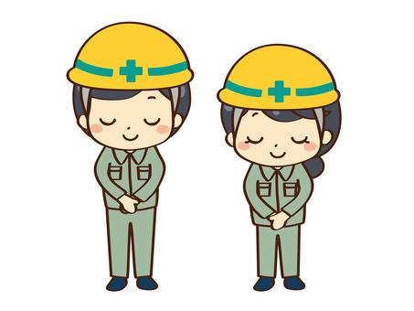 工人在施工期間鞠躬