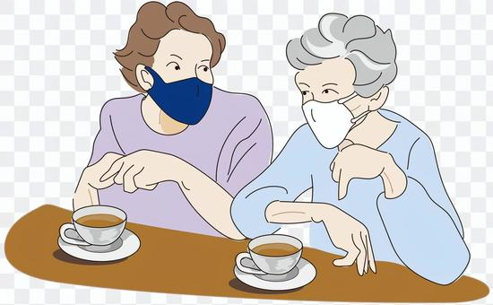 戴著面具的老婦