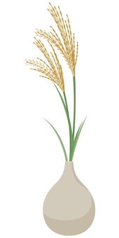 억새 꽃병있는 흰색