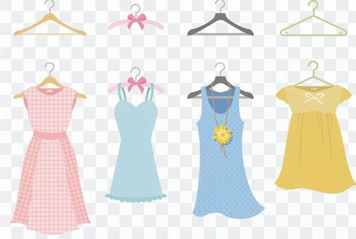 各種衣服掛在衣架上