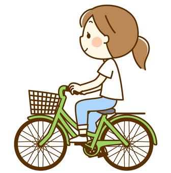 騎自行車的女人