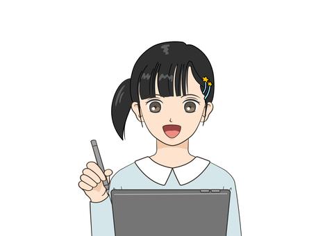 在平板電腦上學習的女孩