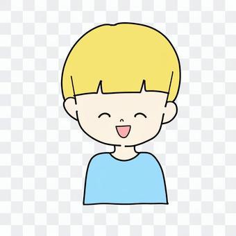 金發碧眼的微笑男孩