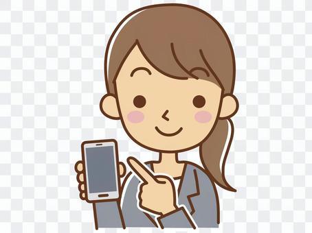 有智能手機的一名婦女