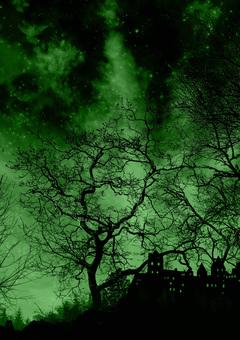 夜晚森林中的城堡綠色
