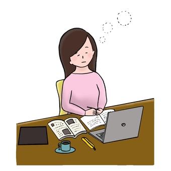 一個似乎在學習時睡過的女人