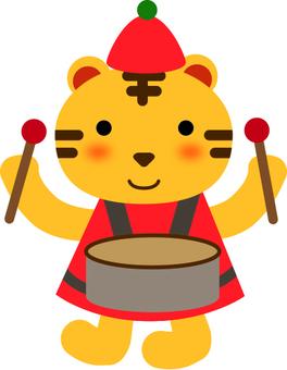一隻老虎敲擊鼓