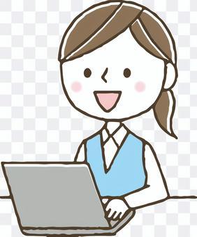 かわいいビジネス女性パソコン会社員OL