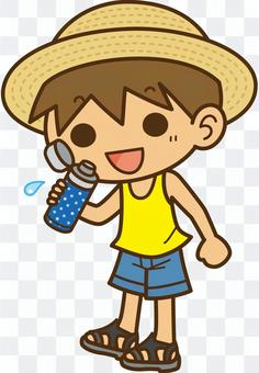 水筒で水分補給しようとしている男の子1
