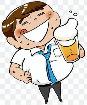 出汗的上班族喝啤酒