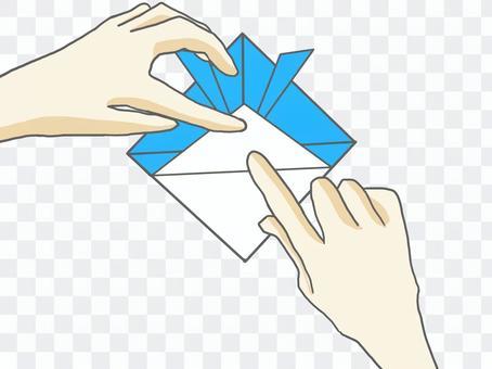 折疊摺紙的手(頭盔)