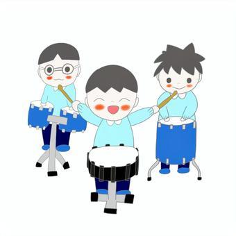 3個男孩打鼓
