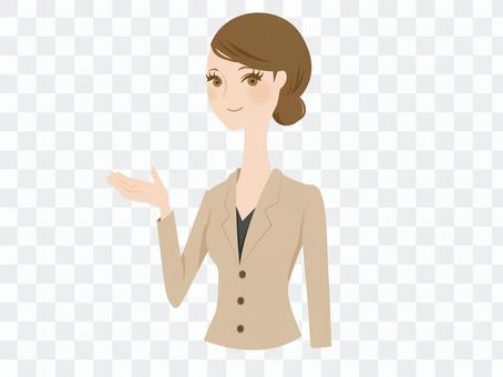 一個穿西裝的女人來指導