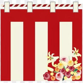 紅色和白色的窗簾和鮮花