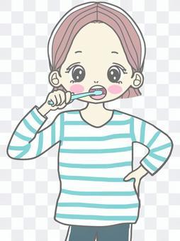 牙膏的女孩