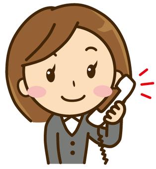 一個女人打個電話