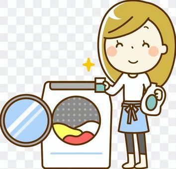 女人洗衣服