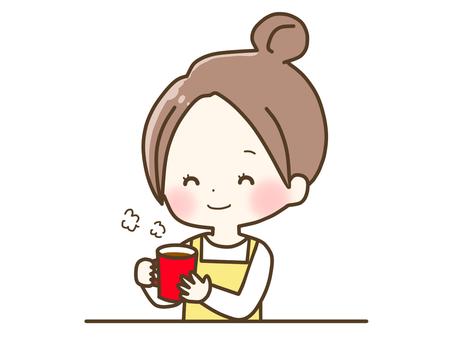 放鬆的女人咖啡