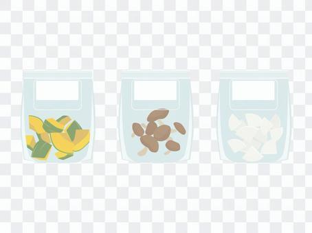將蔬菜和蘑菇密封在拉鍊袋中並冷凍保存