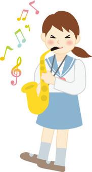 吹薩克斯管的女孩