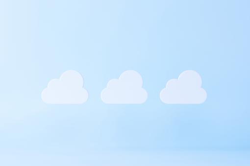 漂浮在空中的雲樣機
