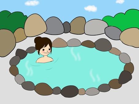 女人在露天浴池(中午)