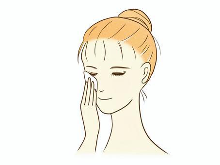 女人在做皮膚護理