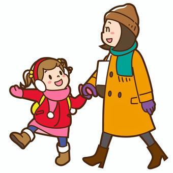 母親和孩子外出(冬季)