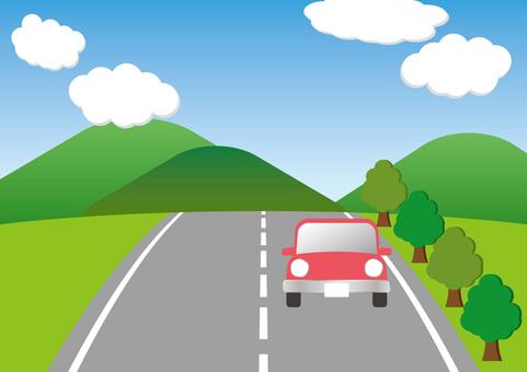开车在山路上