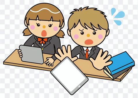 學生12_13(男孩放下平板電腦)