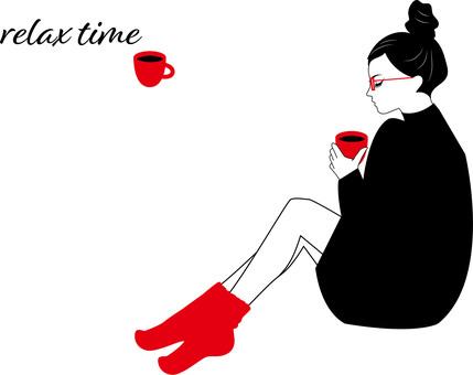 喝放鬆咖啡的女人