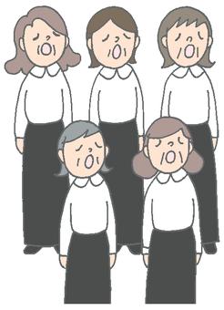 女性唱詩班組成熟